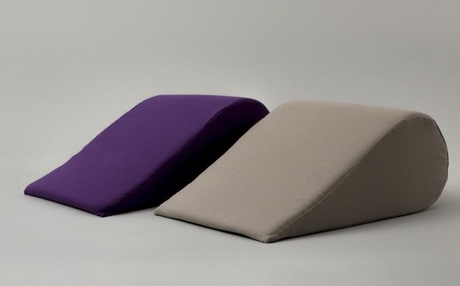 fabe-forms-mom-pillow-02.jpg